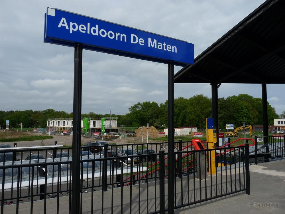 2e5363d1759 Treinstations Gelderland/Station Apeldoorn De Maten - Stationsbord ...