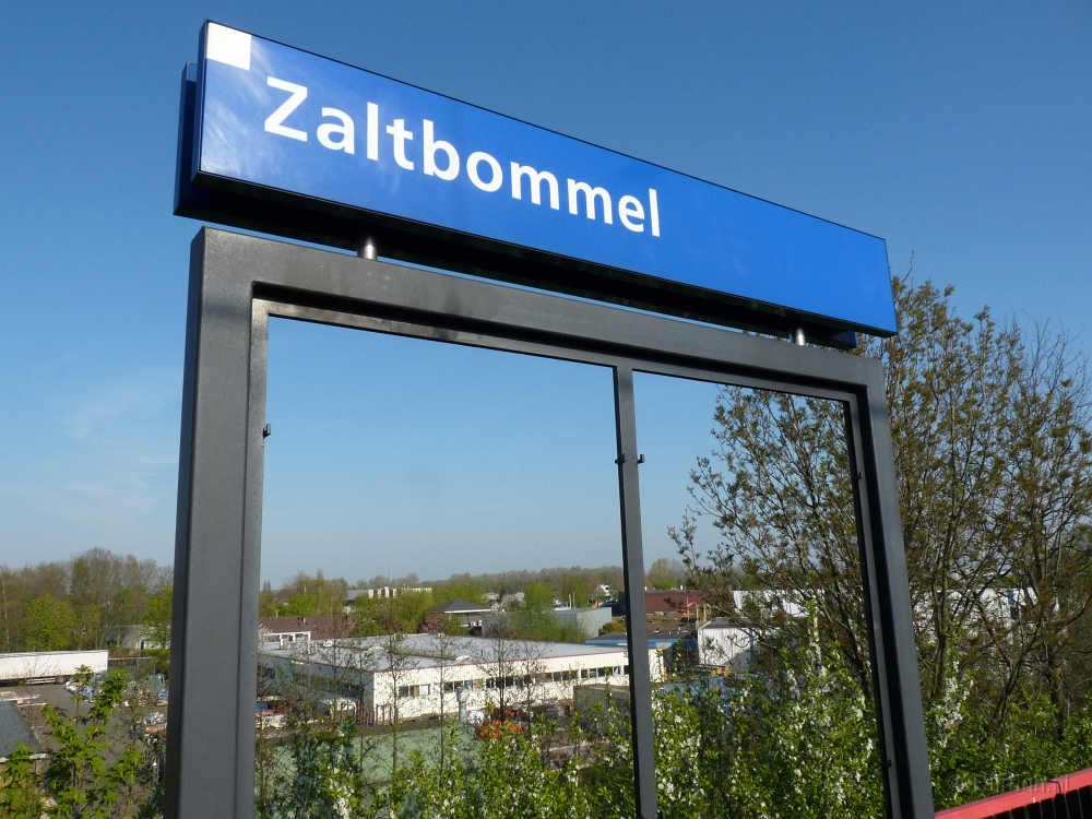 Treinstations Gelderland/Station Zaltbommel - Foto Stationsbord
