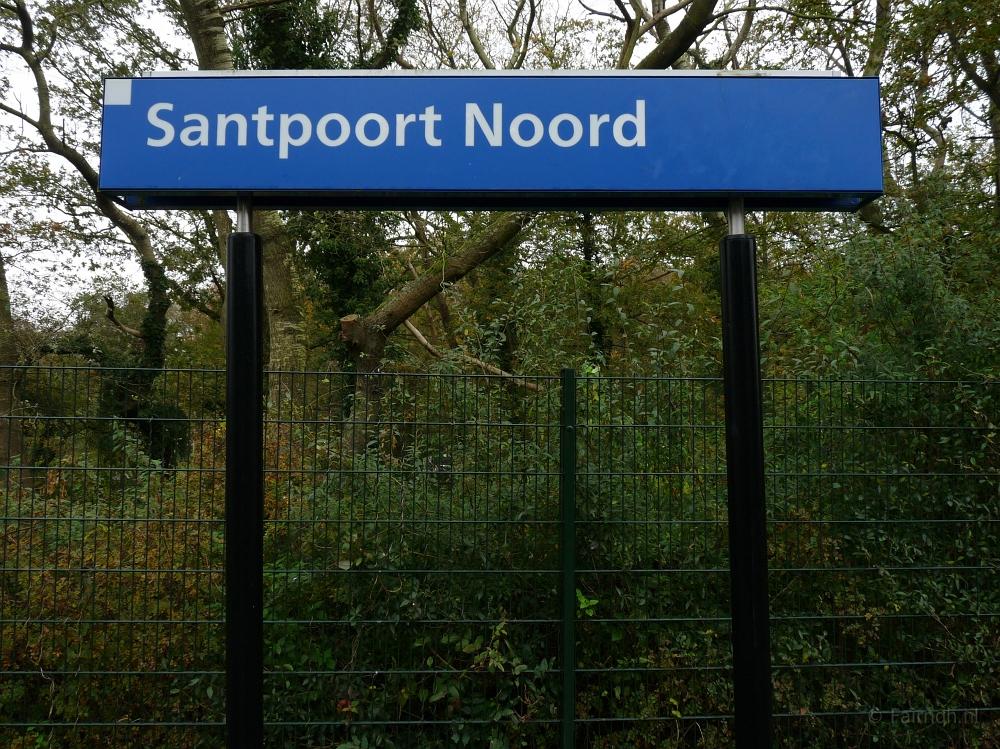 Treinstations Noord-Holland/Station Santpoort Noord - Foto ...