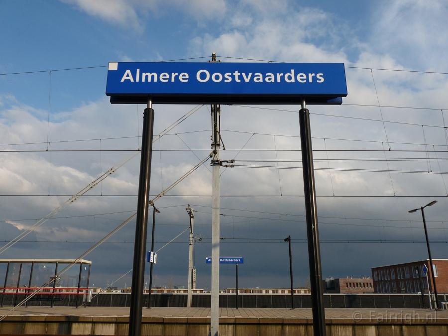 Stationsborden   A t  m D